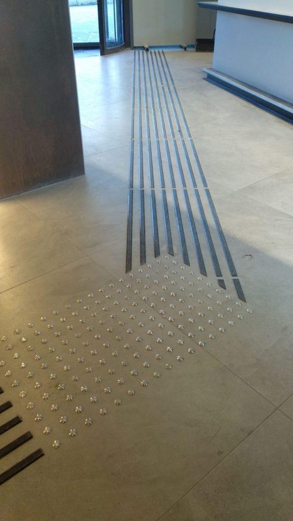 פס מוביל אלומיניום 1 מטר -בטיחותי